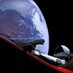 Ruimte-auto Tesla Roadster Is Mars Voorbij Gevlogen